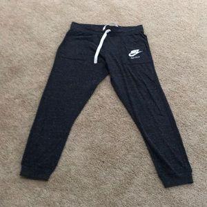 NWT! Nike  Women's Large charcoal grey sweatpants